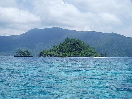 Pulau Hari Tampak Dari Daratan Sultra